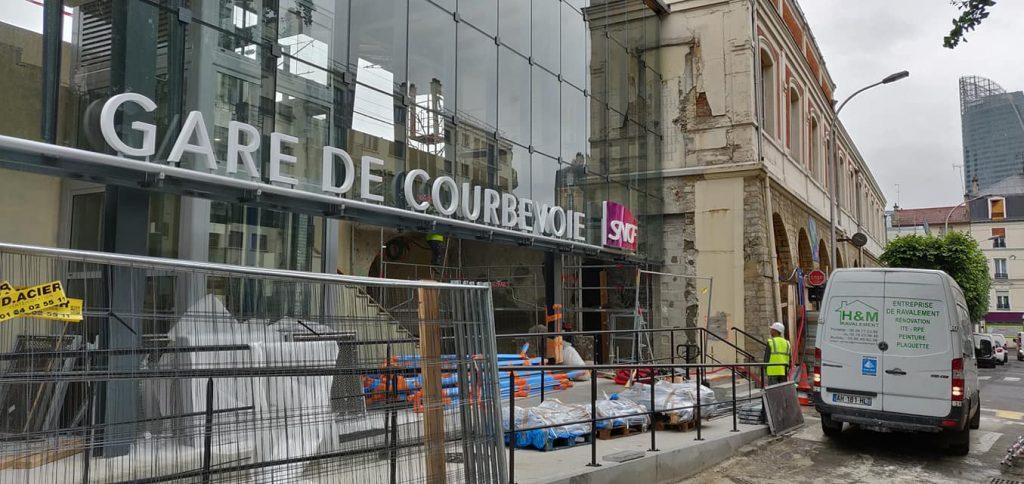 67321833 2644318952267835 2128364072800878592 o 1024x484 - Chantier de la gare SNCF de Courbevoie